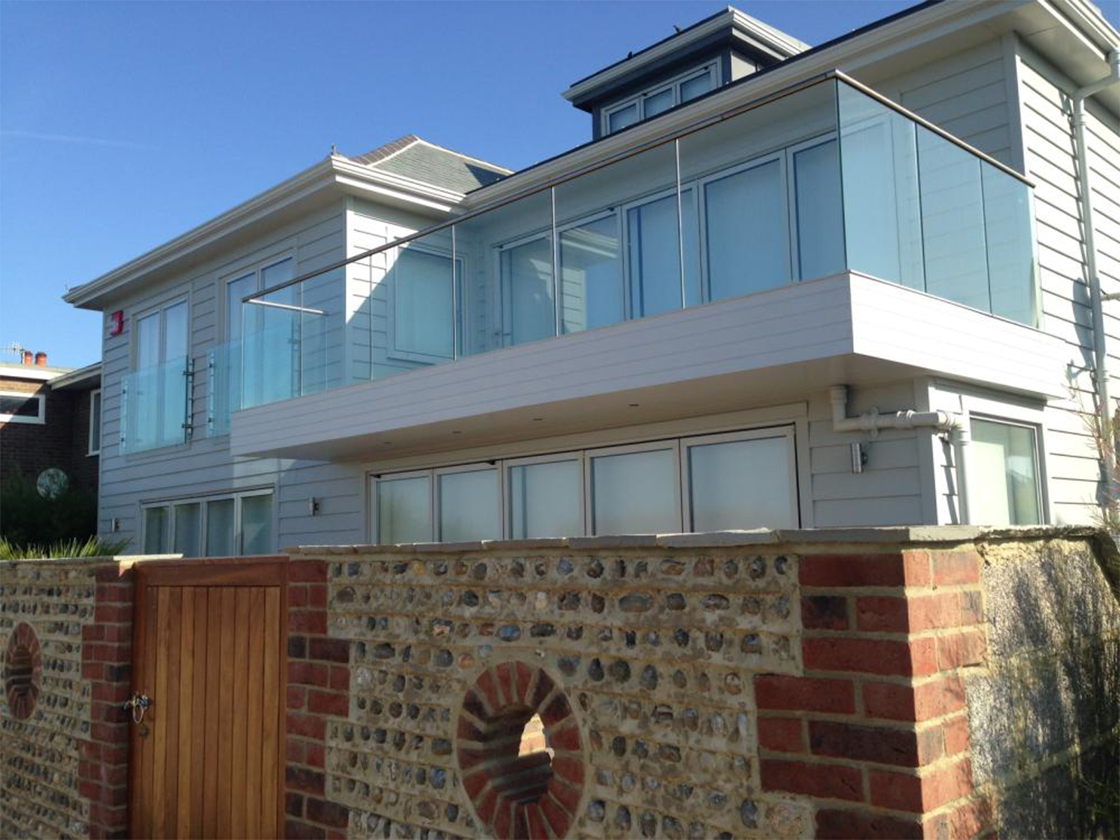 refurbishment-extension-beach-front-property